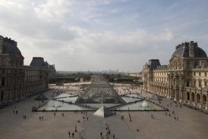 Louvreeyesore